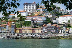 Прямые перелеты в Португалию за 10 € в сторону!
