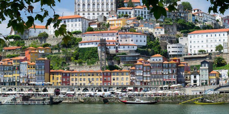 Прямые перелеты в Португалию за 11 € в сторону!