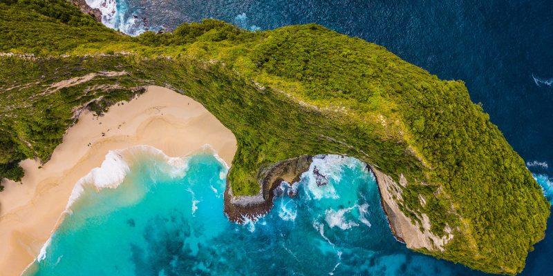Бали открывает аэропорт для международных рейсов