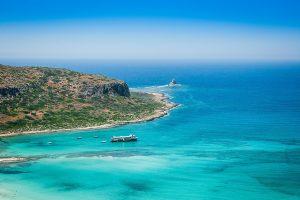 Греция начнет принимать  туристов из страны «красного списка» несмотря на запрет ЕС
