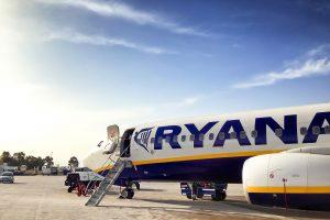 Ryanair может приостановить все полёты аж до лета!